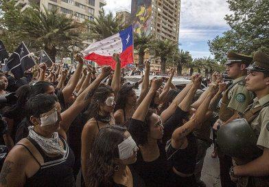 Protestas y mujeres chilenas: Una de las deudas históricas de la pseudodemocracia