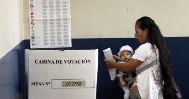 """""""Elecciones serán una guerra de imágenes con mensajes huecos"""""""